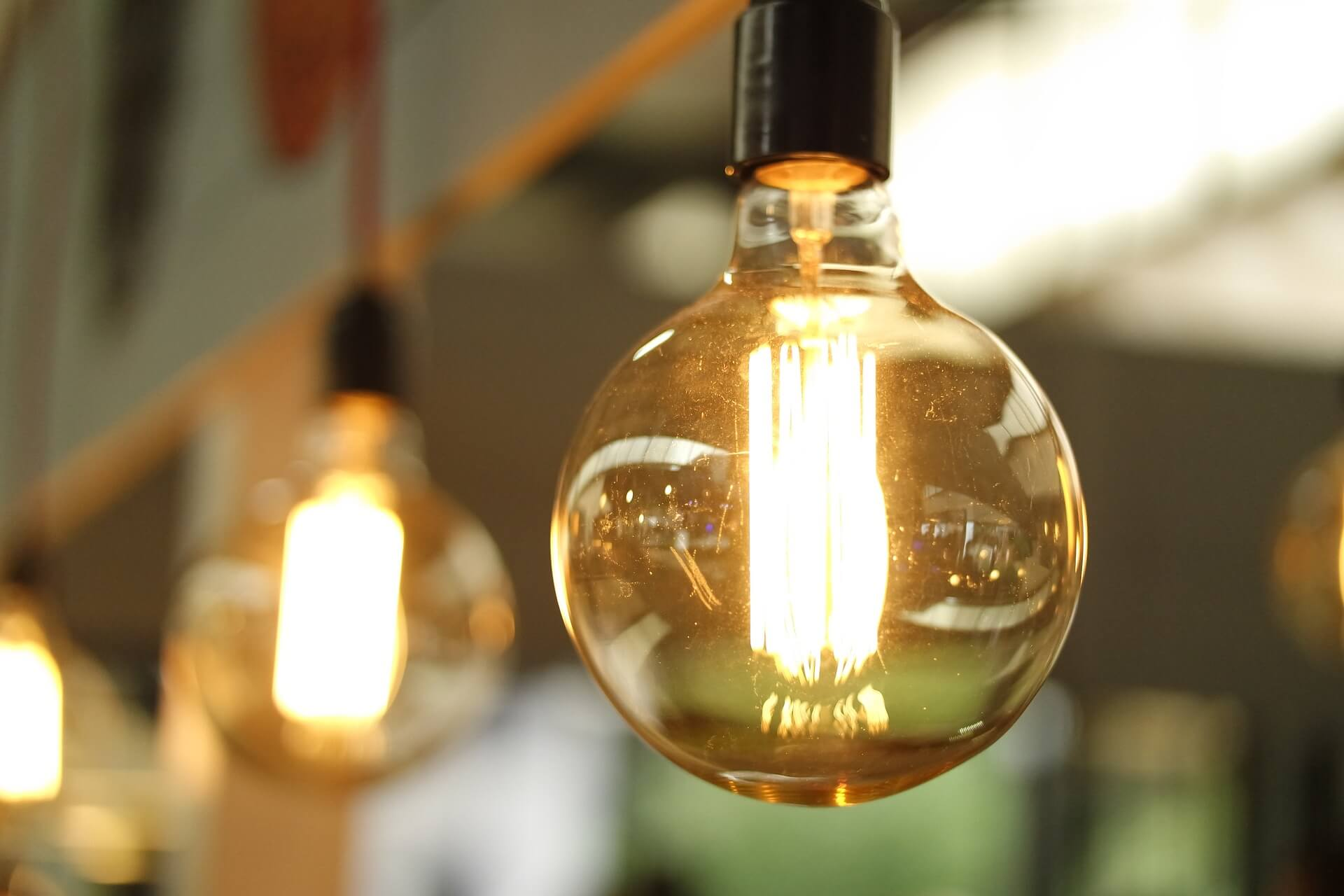 Light bulb - blog post ideas for small businesses